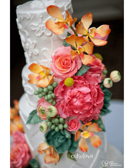 Cindy wedding cake with handcrafted flowers